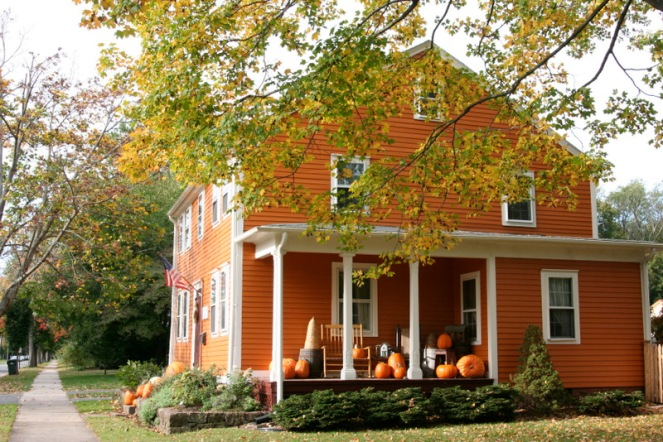 pumpkin-house-by-hattie-wilcox