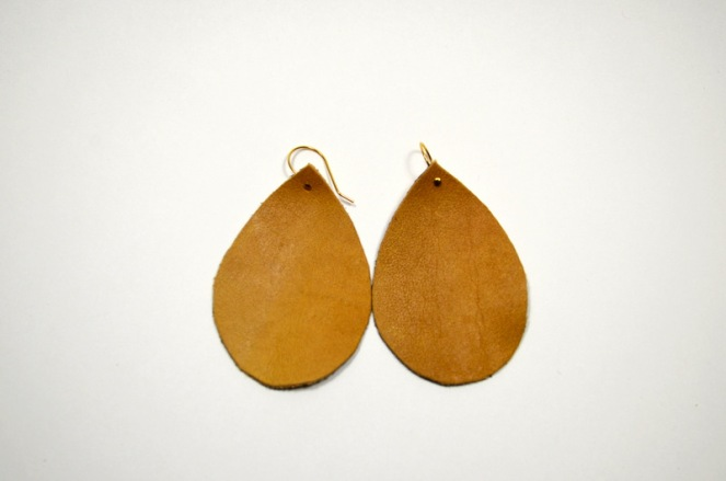 DIY Leather Earrings :: beautiful-objects.com